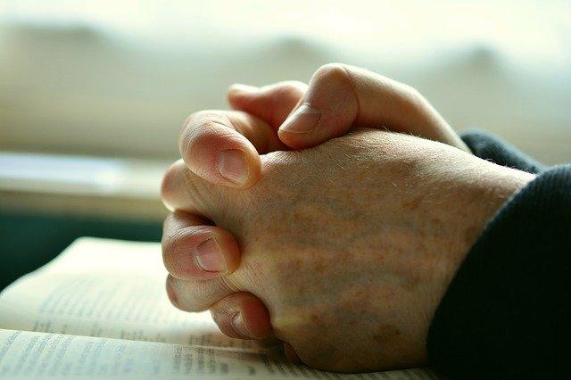 Gott um Hilfe bitten: So gehts Schritt für Schritt